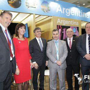 Autoridades En El Stand De Argentina